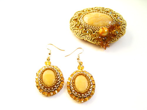 Gold Broch and Earrings | by MEDUSA JEWELLERY
