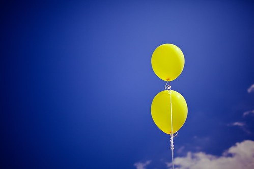 99-97=2 Yellow Balloons (75) | by frank3.0