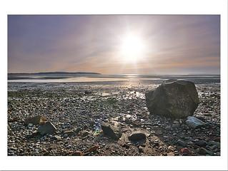 A sun, on the rocks