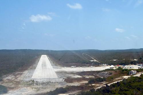 island flying airport aviation aerial landing final caribbean bahamas runway cessna airstrip bahama airfield finalapproach islandairport tbi catisland shortfinal thebight newbight outislands familyislands mycb