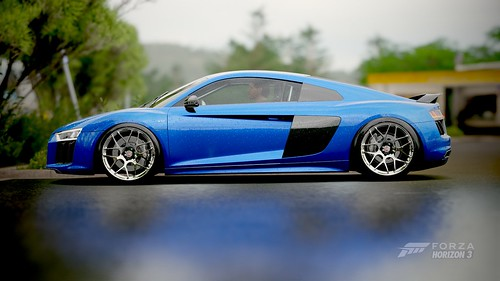 R8 | by v4nd1t