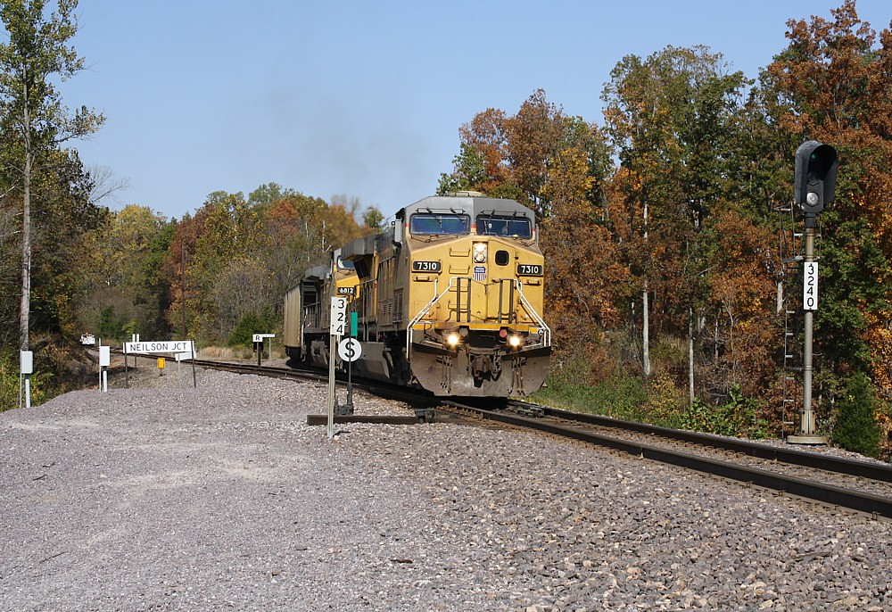 2010-10-22 - 24 - UP 7310, 6812 - Southbound - Neilson, IL - Mary Rae McPherson photo