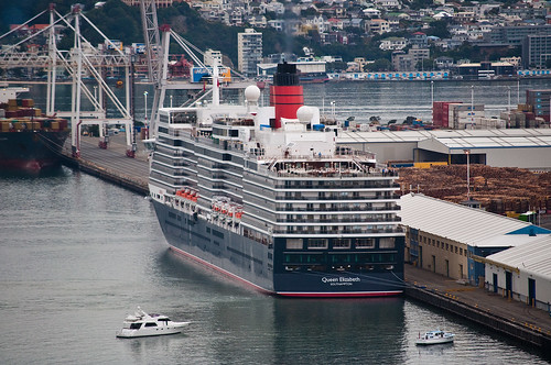 'Queen Elizabeth' arriving Wellington, New Zealand, 19th. Feb. 2011   by PhillipC