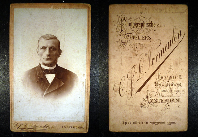 Fam. Rusch (Eringaard)  Man portret Met zwarte strik en witte boord