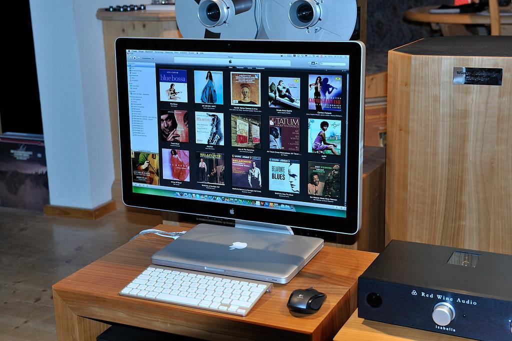 APPLE - Computer Music Player