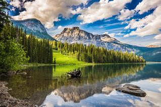 Emerald Lake   by wonderkris