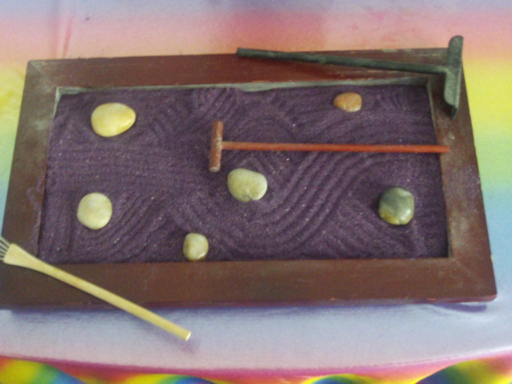 stress Reducers: Zen Garden with Purple Sand