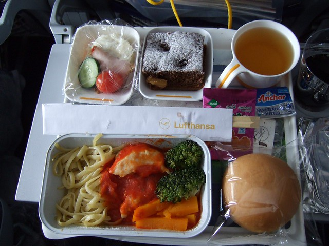 Lufthansa A380 meal to Beijing