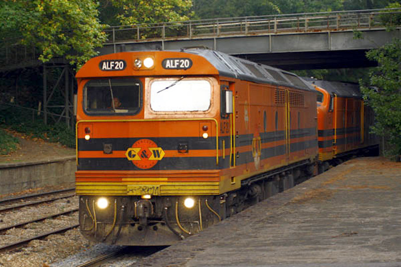 ALF20 leads a grain train into Mt Lofty by Corey Gibson