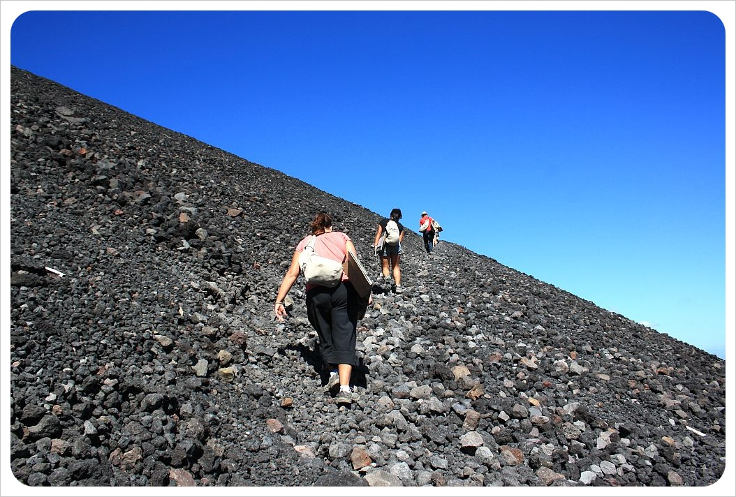 volcano boarding in leon