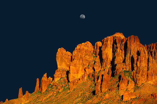 nikon d700 superstitionmountains apachejunction moon desert southwest 70200mm28vrii tomstoncel superstitions