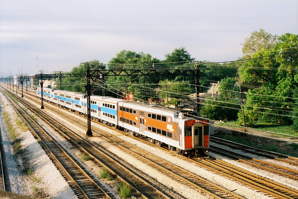 Metra - Kensington
