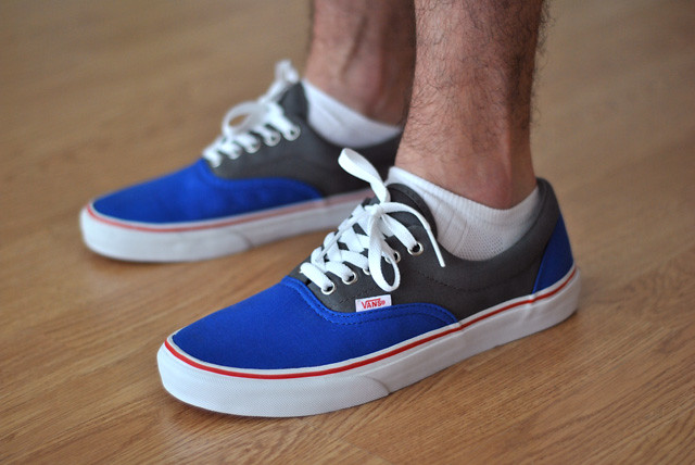 72f28936b1 Vans Era Blue Grey Red on Feet -   SNKRS.COM