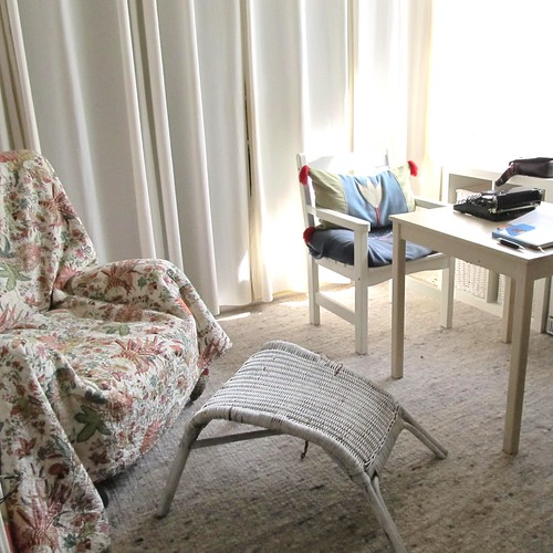 writer's home, left | by Didi van Frits
