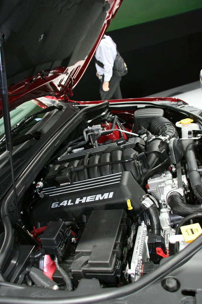2012 Jeep Grand Cherokee SRT8 6.4-liter HEMI V-8 engine ...