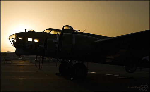 california silhouette backlight sunrise canon outdoors lowlight aircraft aviation wwii transport b17 socal transportation 5d canon5d bomber canondslr warbirds flyingfortress 2470l warbird inlandempire laverne wingsoffreedom brackettfield kenszok