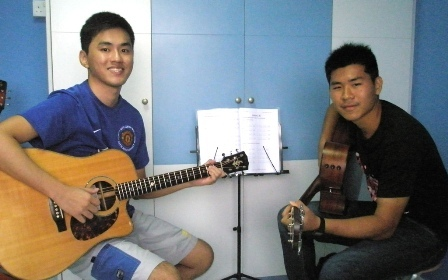 Private guitar lessons Singapore Xi Ming