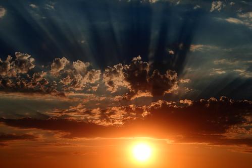 city light sunset wild arizona sun color nature phoenix canon raw shadows dramatic manual 550d t2i efs1855mmf3556is tyndalls cloudsstormssunsetssunrises