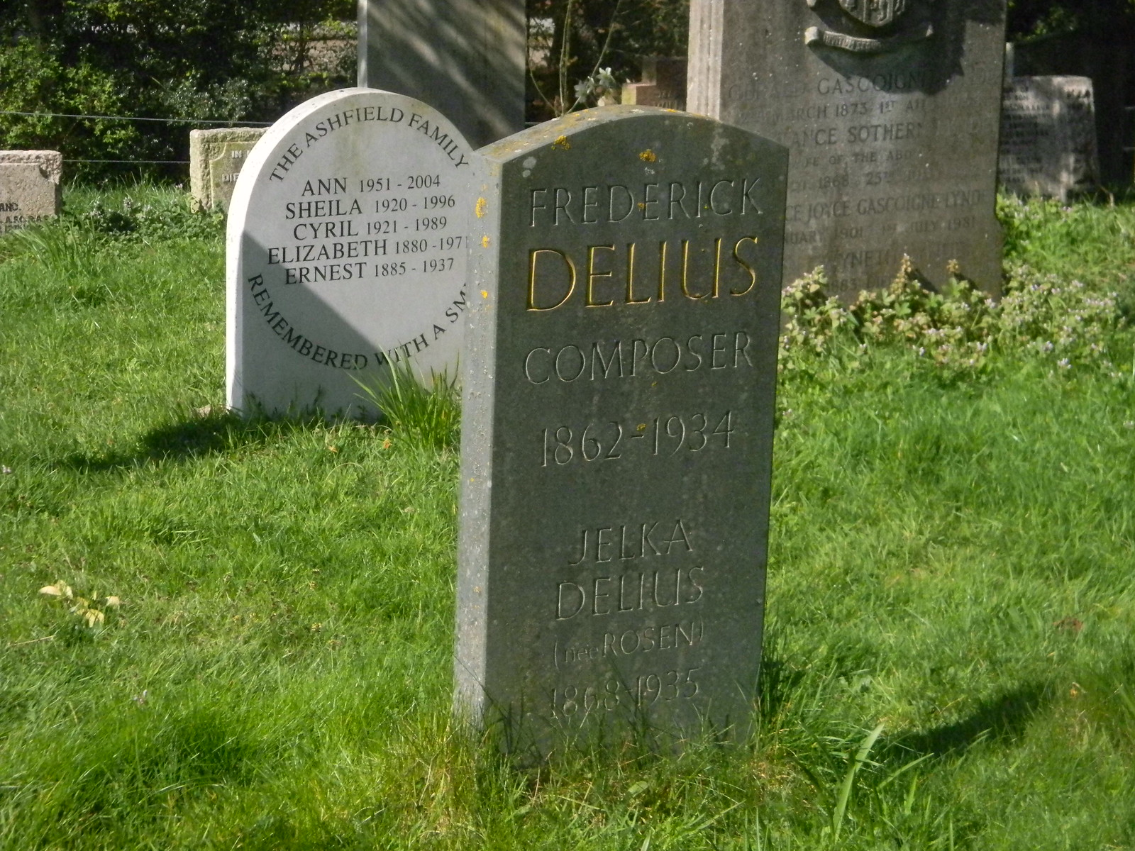 Delius' grave, Limpsfield Oxted Circular