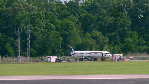 usa airplane louisiana batonrouge btr crj700 topviewed bombardiercrj700 batonrougeairport n706ev batonrougematropolitanairport