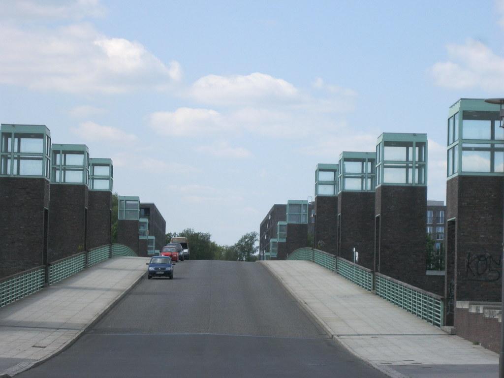 199597 Berlin See Brücke Mit Beleuchteten Pfeilerköpfen ü Flickr