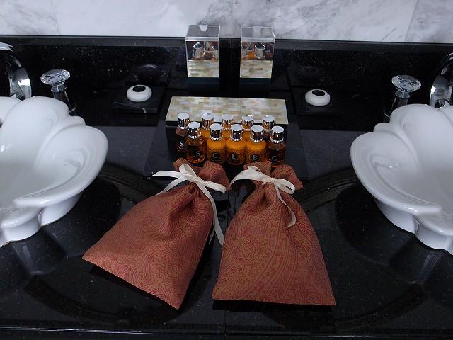<p>バスルームの洗面台</p>