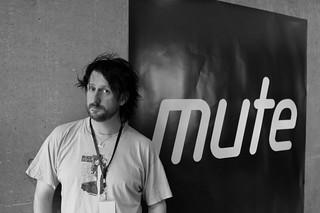 i at short circuit presents mute