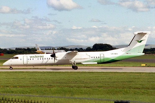 LN-WDC DHC8 4071 MAN Aug-04 | by K West1