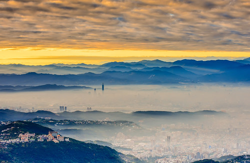 taiwan taipei shihlindistrict dawn datunmountain taipei101tower cityscape cloud sunrise scenery outdoors yangmingshannationalpark mountain 台灣 台北 士林區 大屯山 fog 陽明山國家公園 晨曦 晨彩 台北101 文化大學 火燒雲