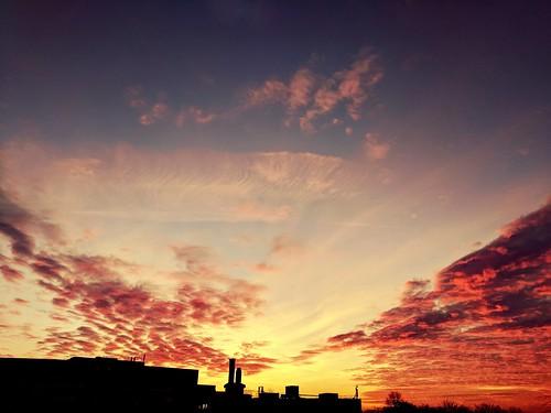 landscape sky colors sunset london uk anglia andreealoredanamihailiuc sun relaxing amazing depthoffield red iso f20 google pixel chrome flickr 18012017 finchley yellow buildings