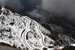 Zig-zag road of Zuluk