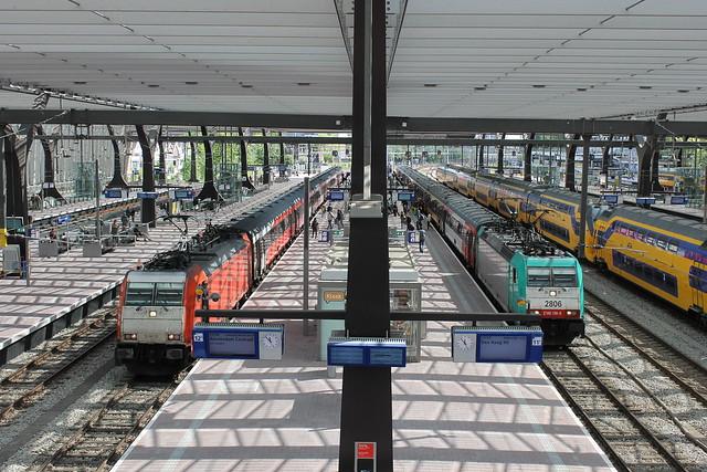 E-loc 186 115-9 en 186 198-8(Rotterdam Centraal 3-5-2014)