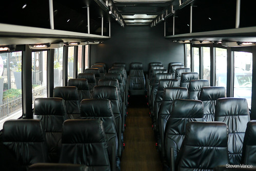 Blackline, privately-operated commuter bus with reserved seating | by Steven Vance