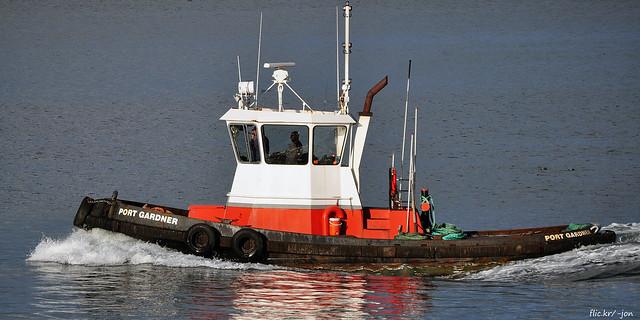 2014-05-23 Dunlap Tug Port Gardner (2048x1024)