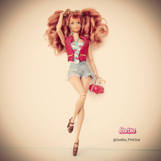 Barbie Midge cool times as Pin Up girl 😋 she wears pinkstar handmade shorts, hello kitty applr top, raquelle style jilet &shakira shoes  #pinup #barbieblog #vintage #barbie #instabarbie #barbiefashion #vintage #retro #pop #popart #girl #follow #follow