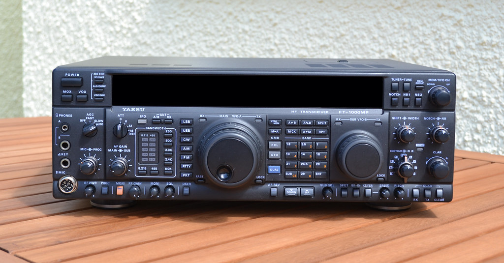YAESU FT-1000MP HF TRANSCEIVER 2W0DAA | Recent addition to m… | Flickr