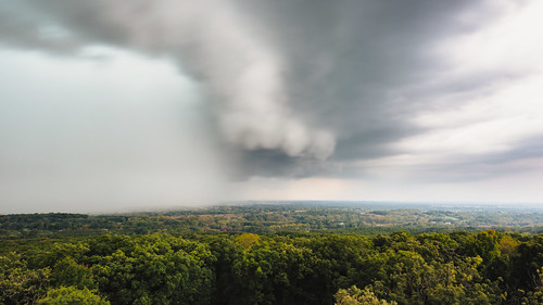delafield wisconsin clouds storms thunderstorms landscape trees rain weather waukesha canoneos5dmarkiii canonef2470mmf28lusm longexposure
