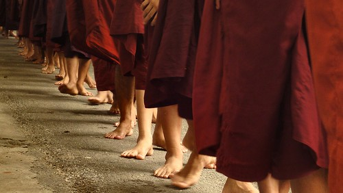 Queueing monks   by NoDurians