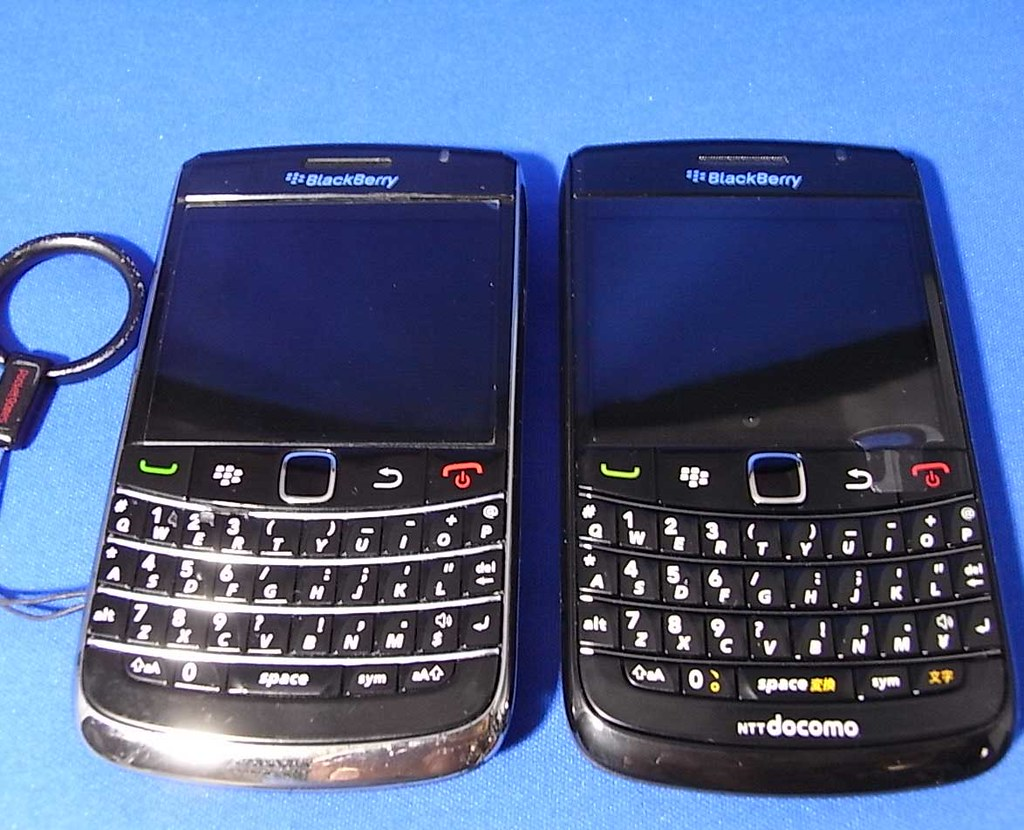 BlackBerry Bold 9780 VS 9700   ICHIZOU   Flickr