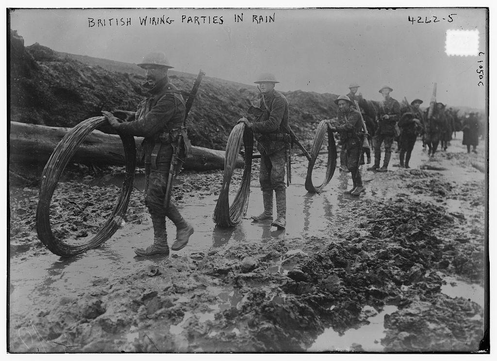 British wiring parties in rain (LOC)   Bain News Service,, p ... on