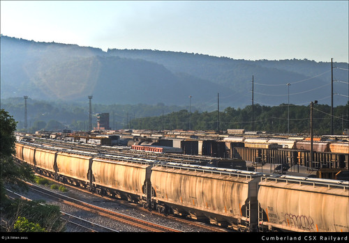 railroad tower cars tracks maryland trains historic transportation infrastructure rails locomotive railyard cumberland westernmaryland csx queencity alleganycounty transmissionlines canont1i