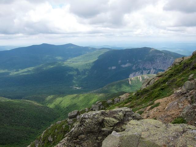 3:06:22 (52%): hiking newhampshire whitemountains franconianotch mtlafayette franconiaridgetrail mtlincoln franconiarange