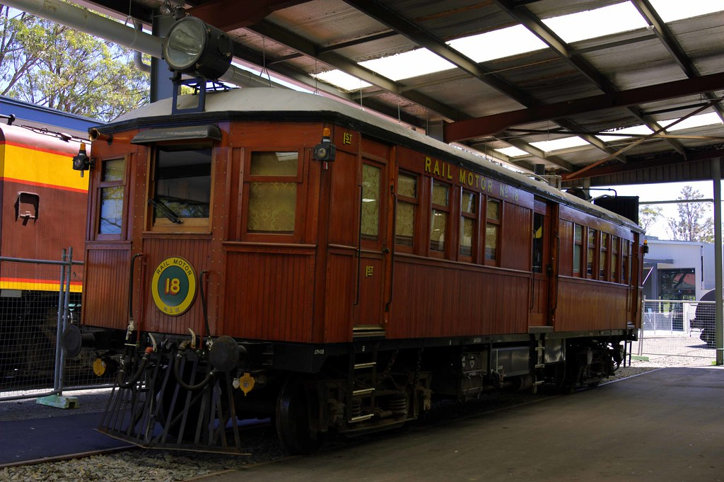 Railmotor 18 @ Thirlmere by glenn5108