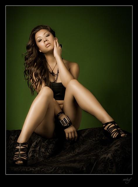 Jennifer - sitting