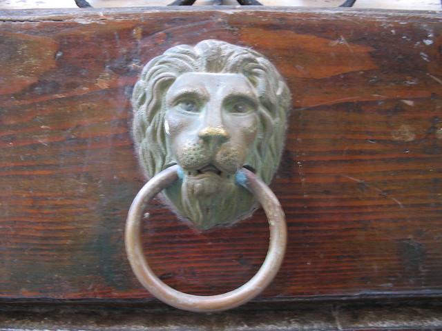 Lion's head doorknocker