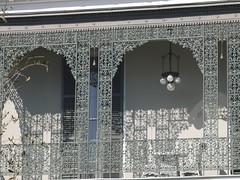 金, 2010-12-03 11:36 - 飾り用鉄細工 Decorated Ironwork Balconie and Gallery Garden District, New Orleans