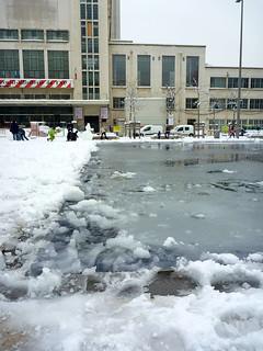 Esplanade des Gratte-Ciel sous la neige   by Damien Clauzel