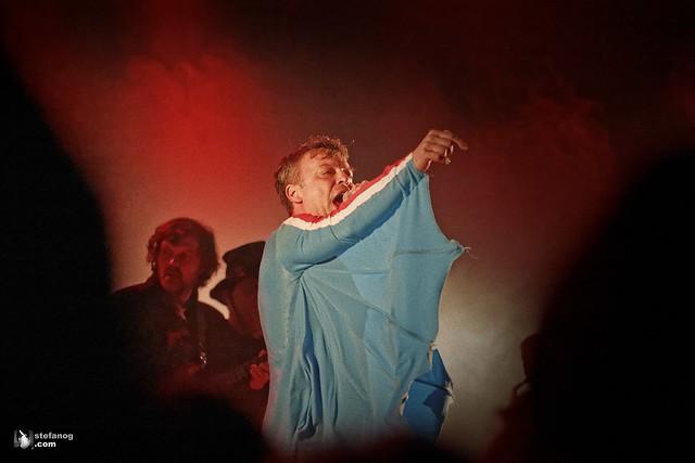 Emir Kusturica & The No Smoking Orchestra (new editing)
