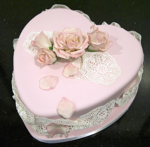 pink heart lace cake