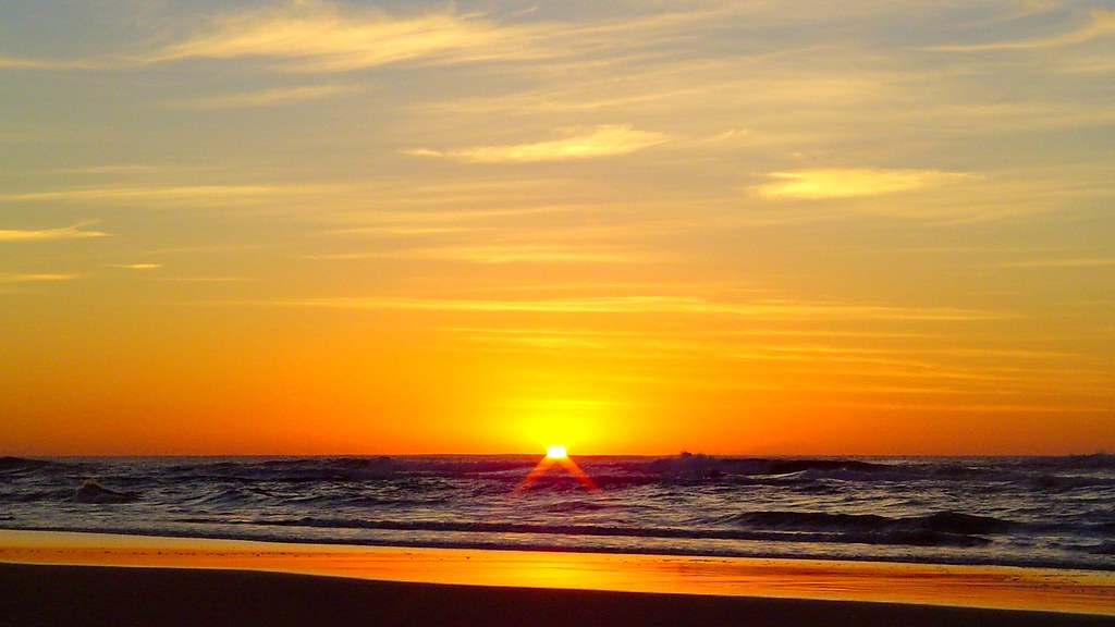 Fraser Island sunrise and Sunset - things to do